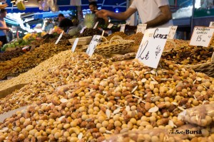 Bursa bazaar nut vendors