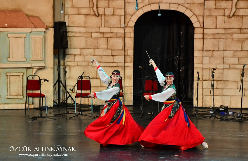 Bursa's Golden Karagöz Folk Dance Competition